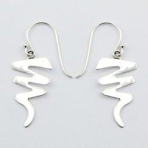 Moderne zilveren oorbellen