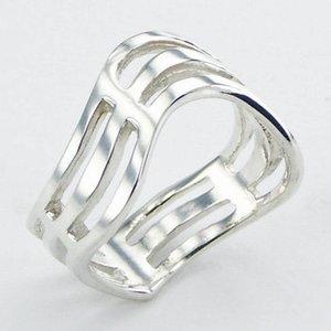 Moderne zilveren ring