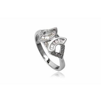 Bijzondere zilveren ring met zirkonia
