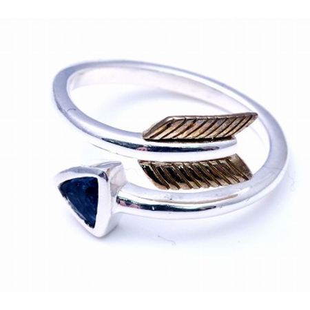 GOOD VIBRATIONS ARROW RING WITH CRYSTAL INLAY FEE SIZE