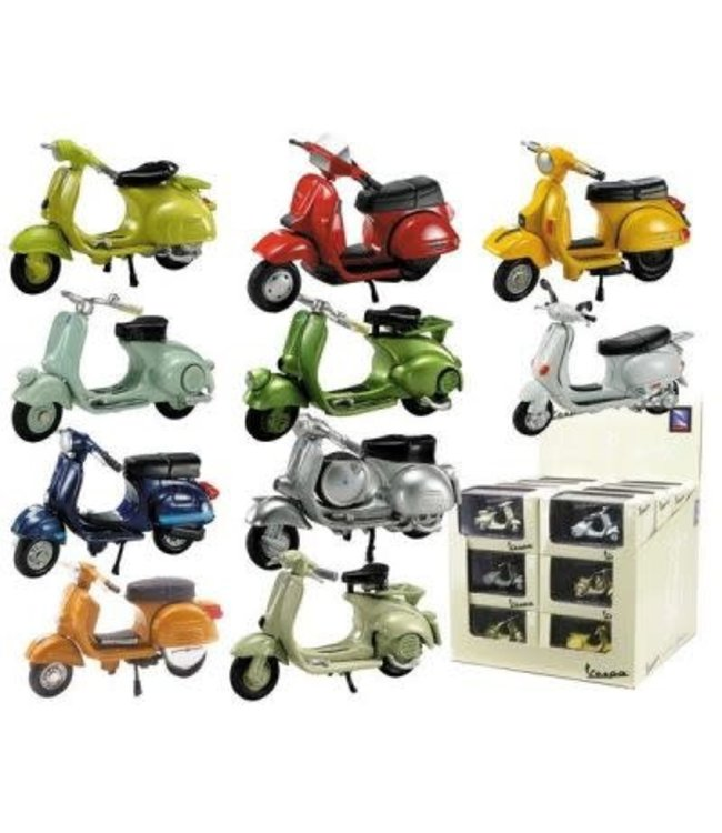 New Ray Historical Vespa Scooter  1:32   8+