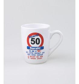 Tekstmok Sarah 50 jaar verkeersbord