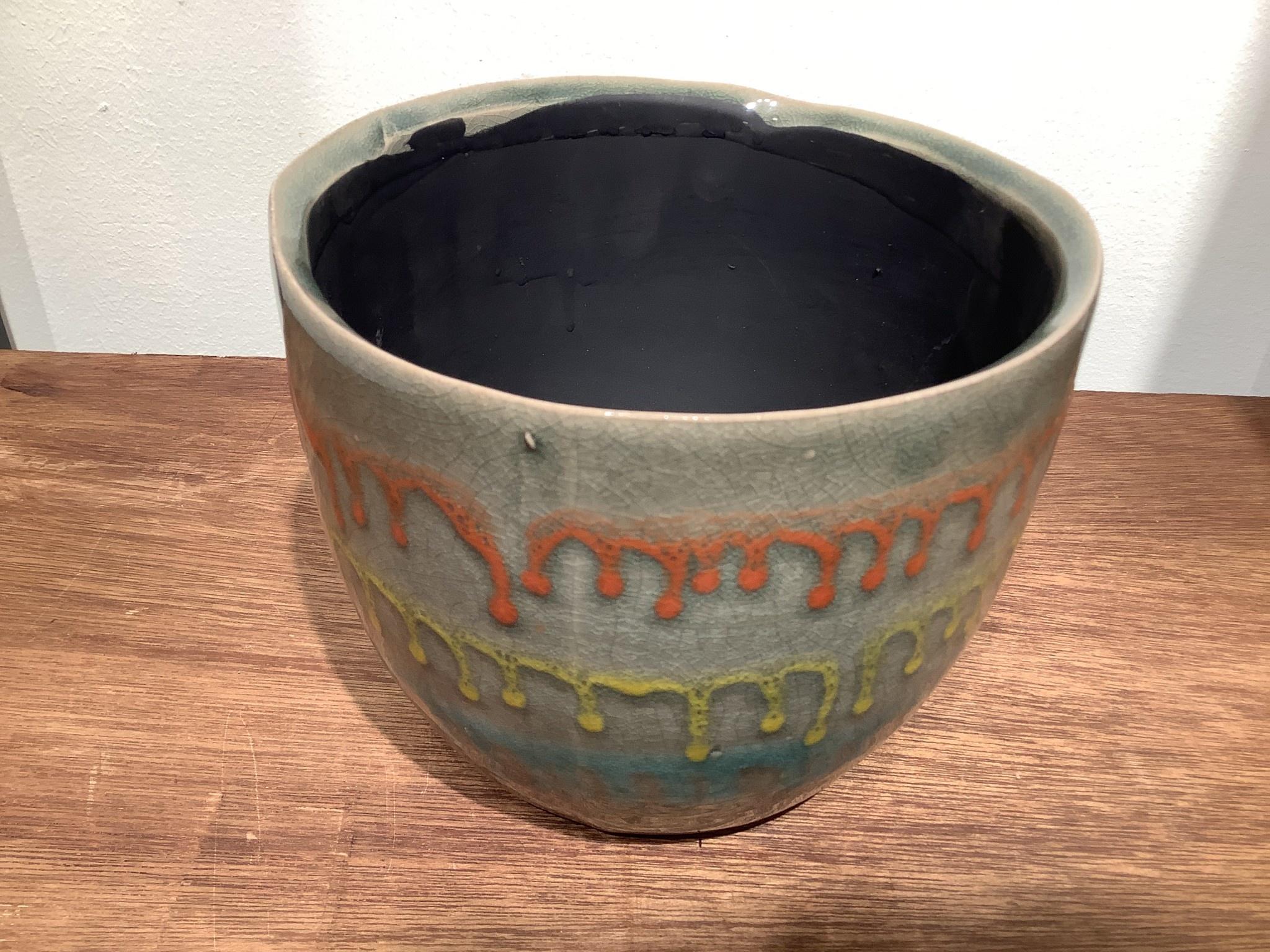 Pot lara lichtblauw met drip 17 cm hoog