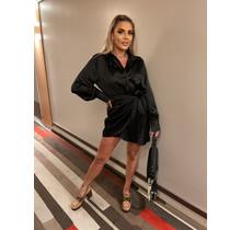 Chique in Black Wrap Dress
