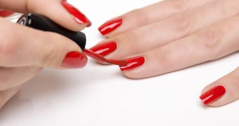 Hoe werkt nagellak remover?
