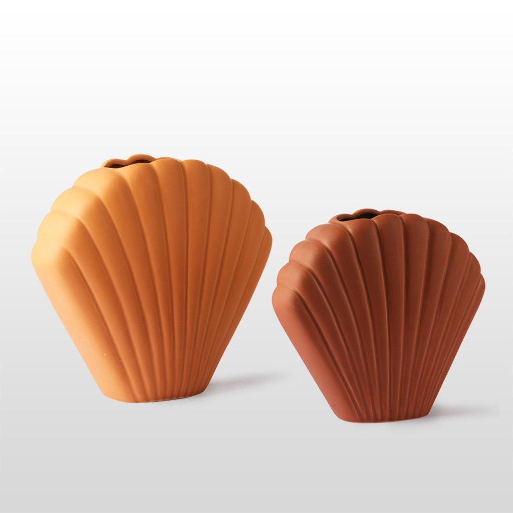 Ceramic Shell Vase Brown