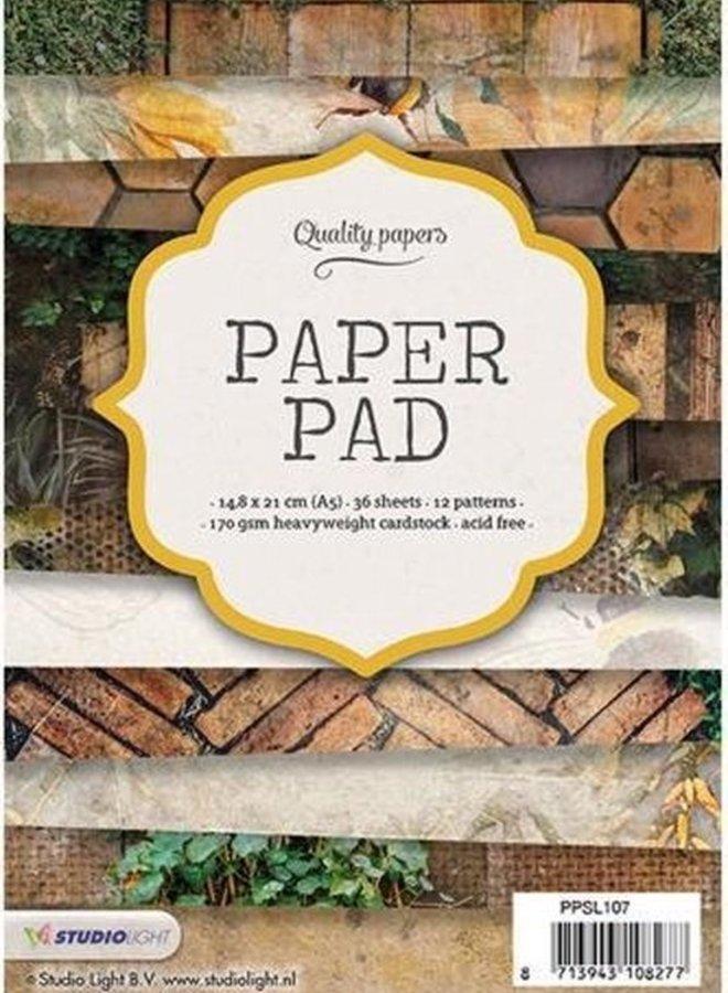 Studio Light   Paper pad 107