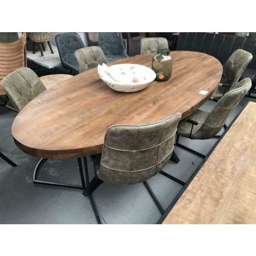 Ovale Eettafel brown