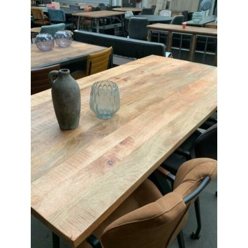 Eettafel industrieel massief hout matrixpoot WK Home Amersfoort