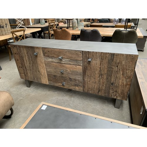 Dressoir metaal/oud hout