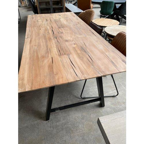 Parket tafel 220cm gerecycled hout