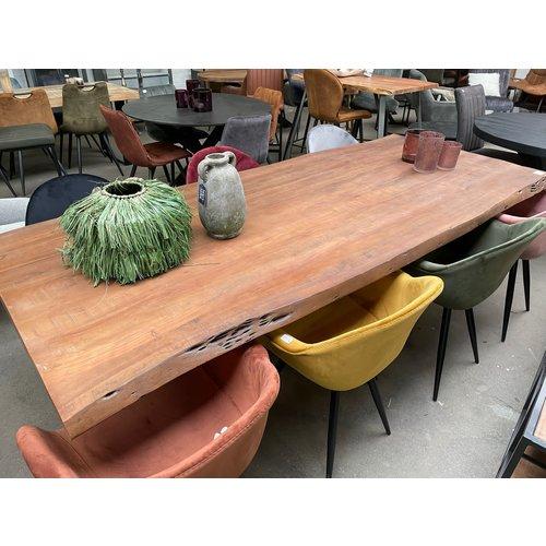 Boomstam tafel massief blad
