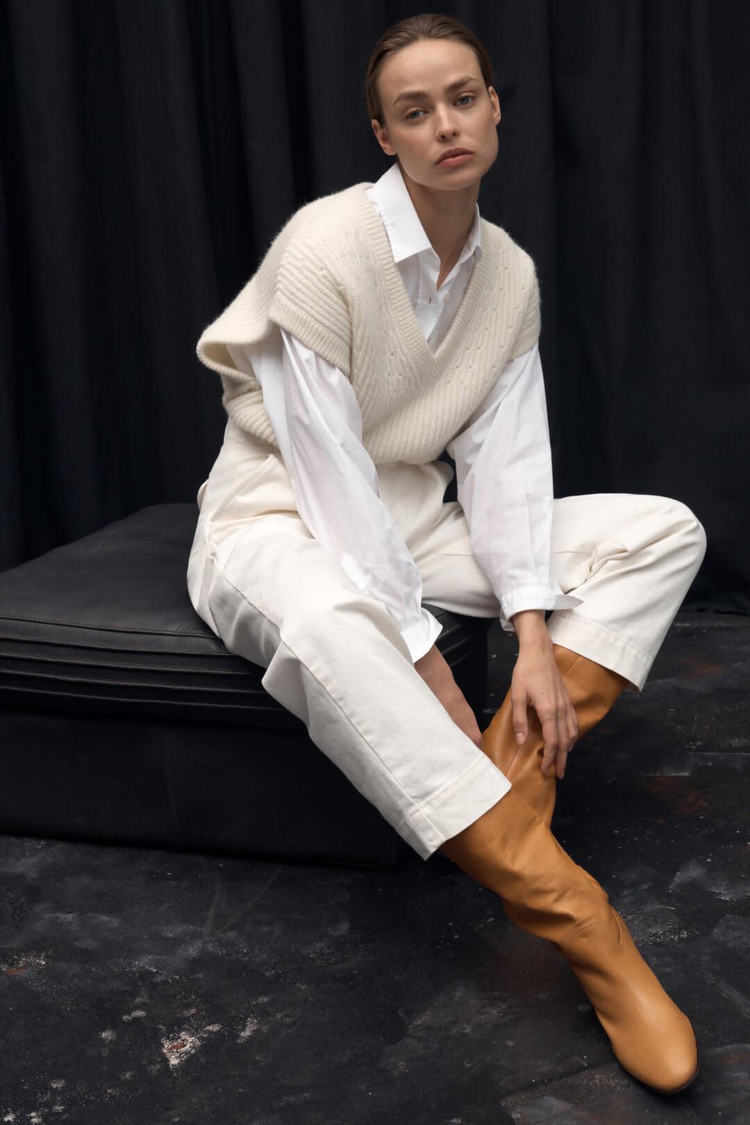 Royal Baby Alpaca Mix Sweater Vest - Vanilla-1