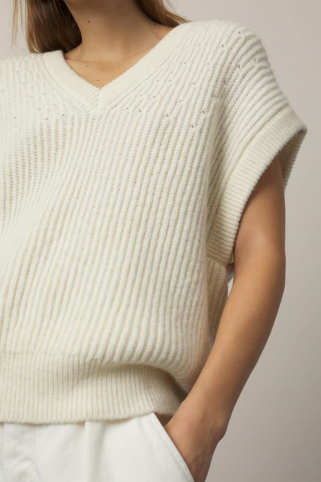 Royal Baby Alpaca Mix Sweater Vest - Vanilla-2