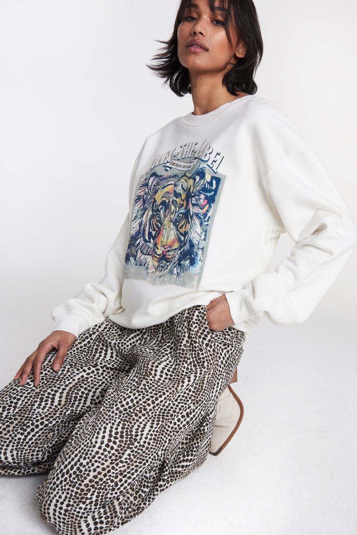 Oversized Tiger Sweater - White-1