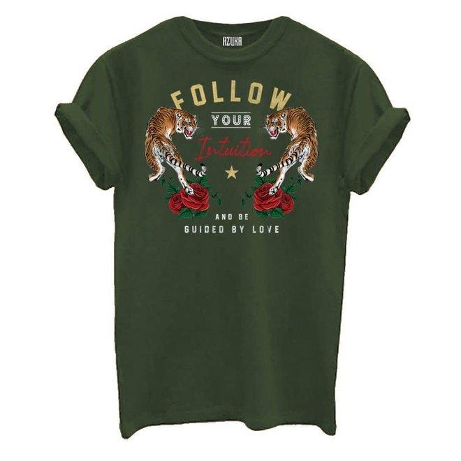 Azuka Dames t-shirt Follow Intuition print Olive groen korte mouw rock fit