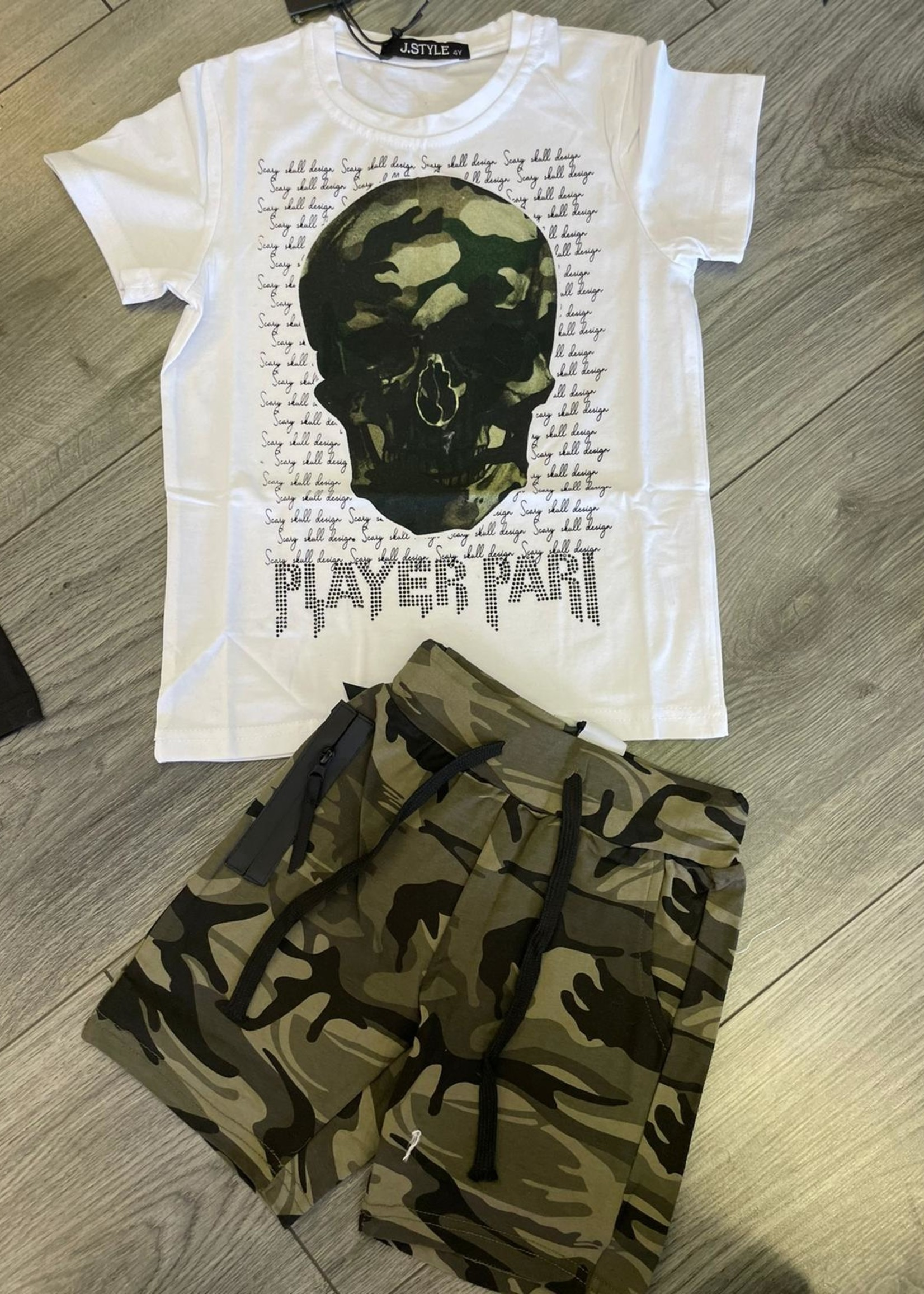 Divanis Divanis army skull tshirt white