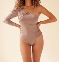 Body by Olcay Body By Olcay eine Schulterkörperarmee