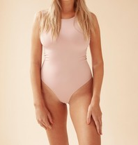 Body by Olcay Body By Olcay Basic Body mit Rundhalsausschnitt in zartem Pink