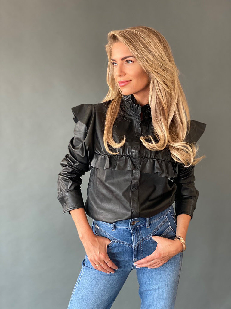 Est'seven Est'seven Isa blouse with ruffles black