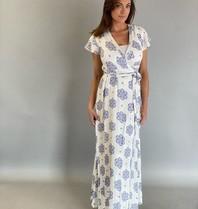 Est'seven Est'Seven Sabrina wrap jurk met print wit blauw