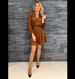 Rinascimento Rinascimento getailleerde korte jurk met knopen en pofmouw bruin
