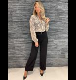 Rinascimento Rinascimento blouse met patroon en knoopdetail beige