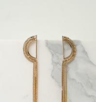 Souvenirs de Pomme Souvenirs de Pomme  Lucille long chain earrings gold
