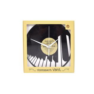 "Klok ""Piano"" van gerecycled Vinyl"