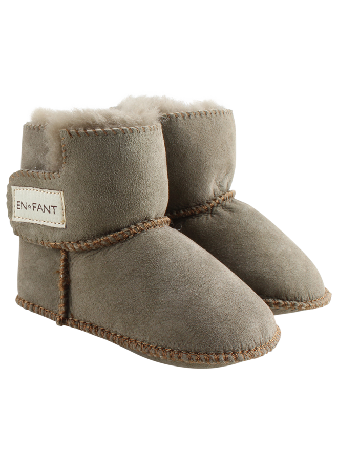 Enfant sheepskin booties