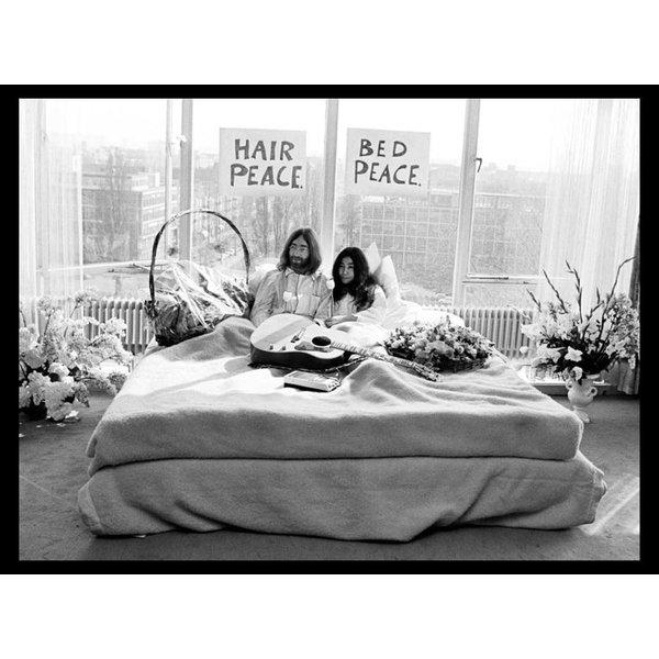 Foto John Lennon & Yoko Ono - 'Bed-In for Peace' 1969 - no. 013 | Fotograaf Nico Koster