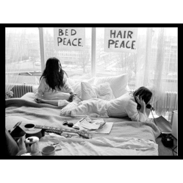 Foto John Lennon & Yoko Ono - 'Bed-In for Peace' 1969 - no. 026 | Fotograaf Nico Koster