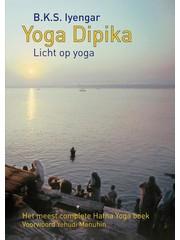 Iyengar, B.K.S. Yoga dipika (licht op yoga)