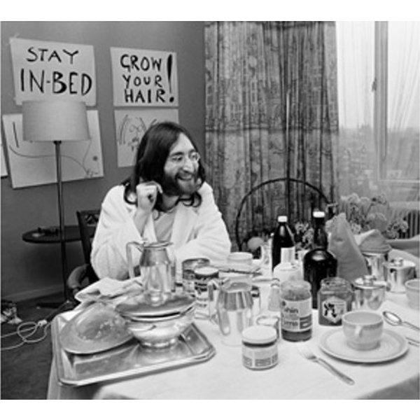 Nico Koster Foto John Lennon & Yoko Ono - 'Bed-In for Peace' 1969 - no. 004 | Fotograaf Nico Koster