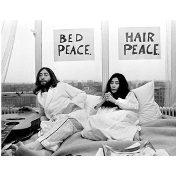Nico Koster Foto John Lennon & Yoko Ono - 'Bed-In for Peace' 1969 - no. 022   Fotograaf Nico Koster