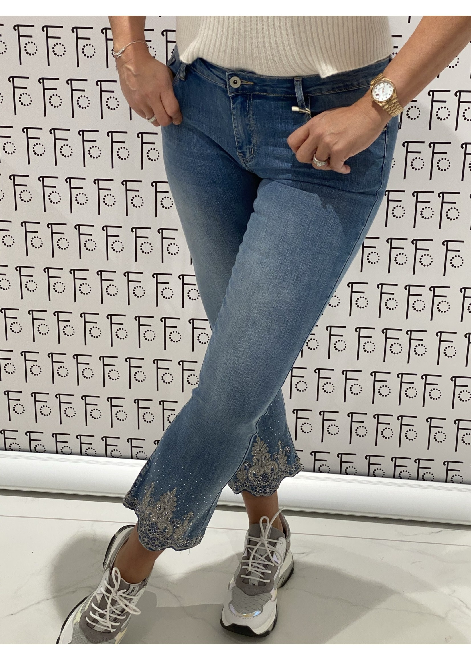 Broderie Jeans