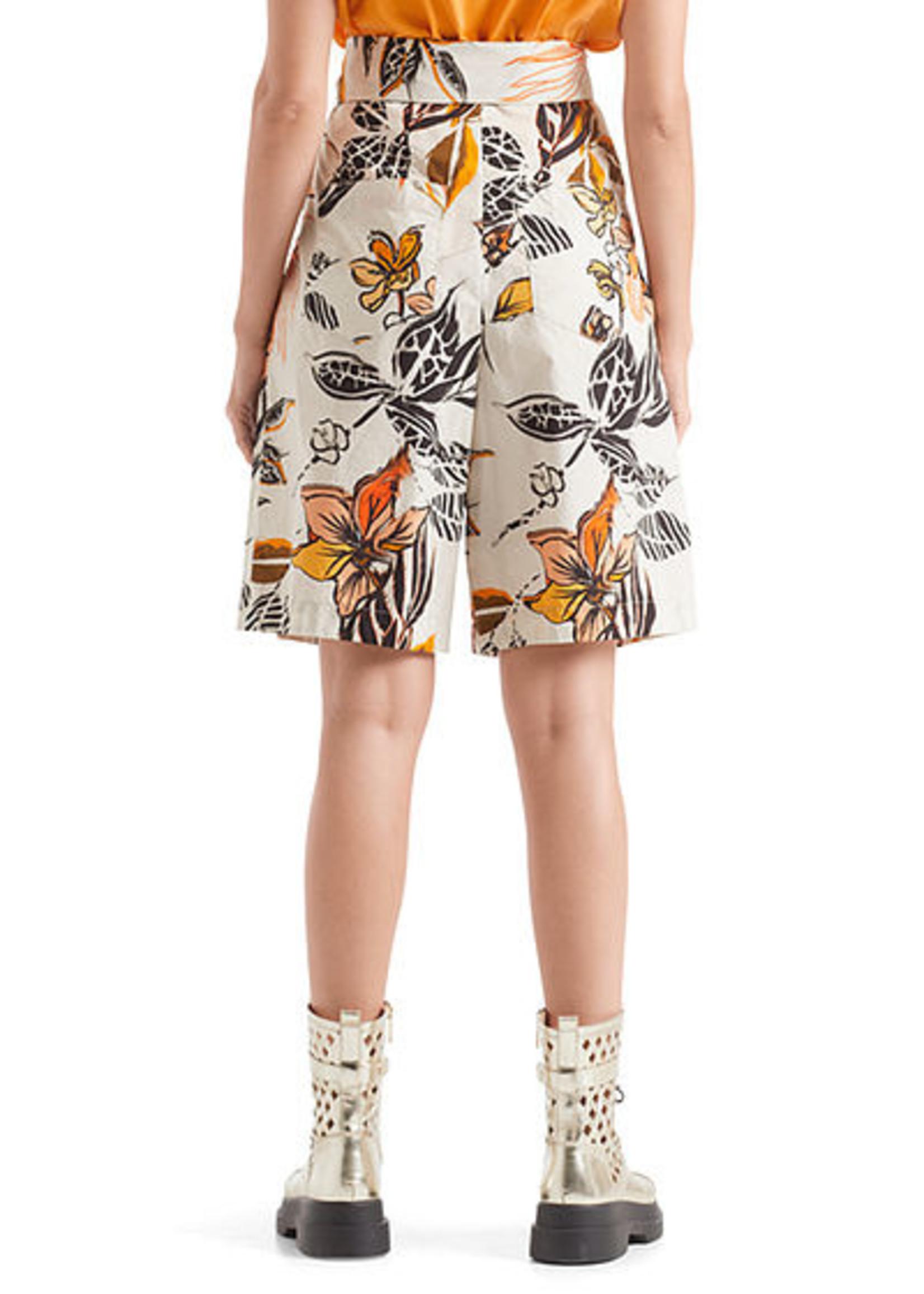 Shorts QC 83.09 W66