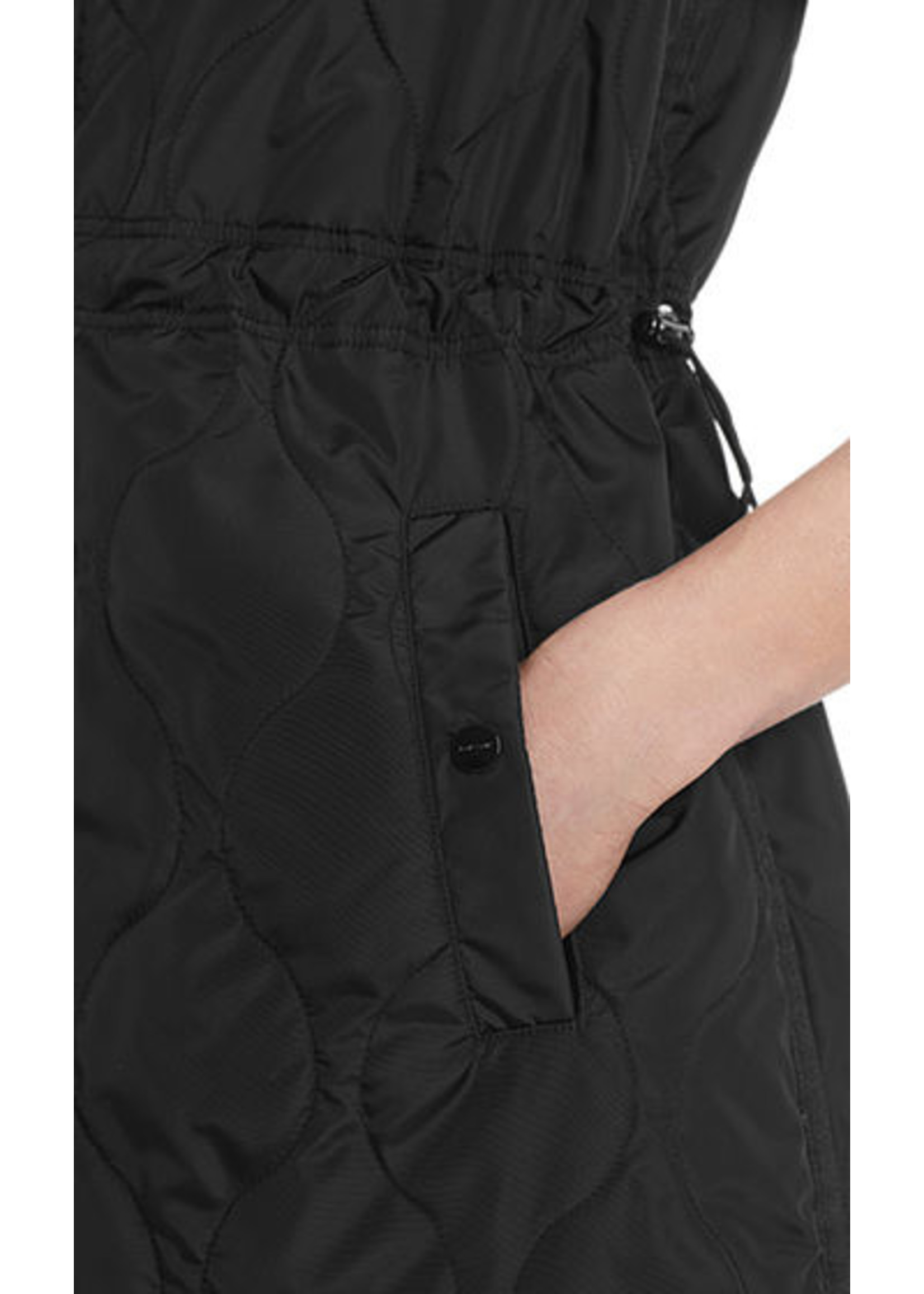 Marccain Sports Bodywarmer RS 37.01 W74 black
