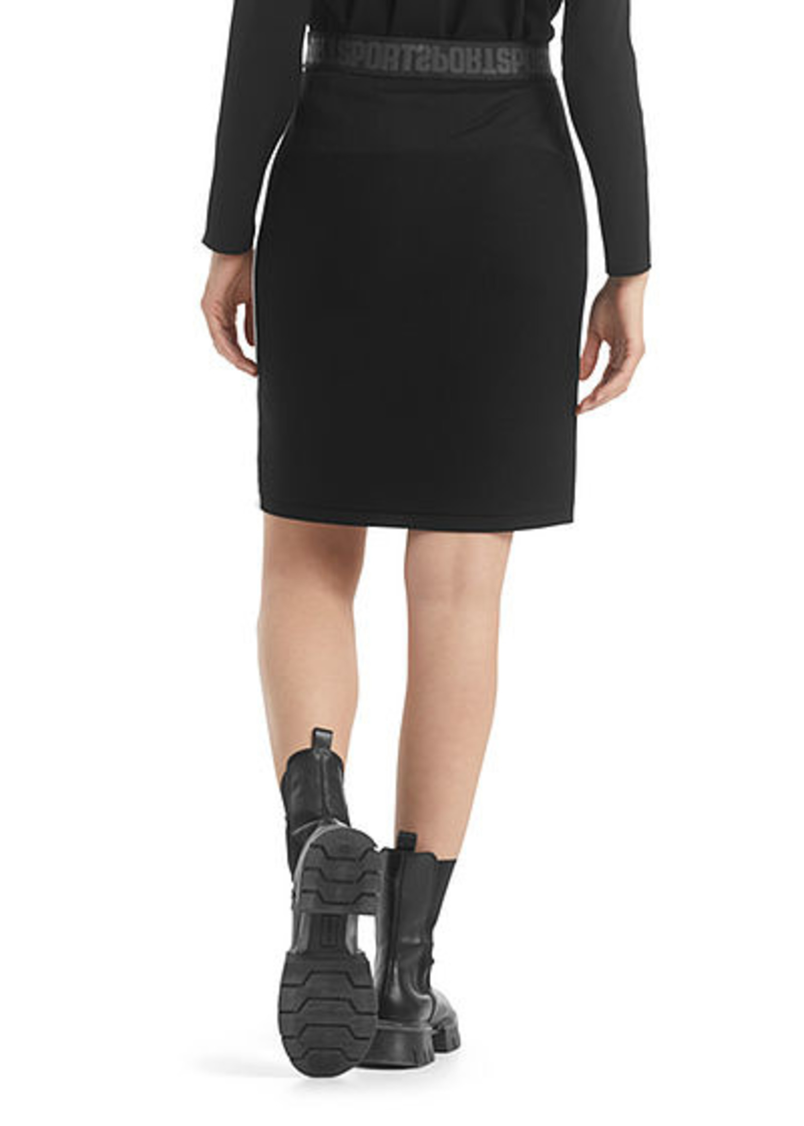 Marccain Sports Rok RS 71.49 M34 black and white