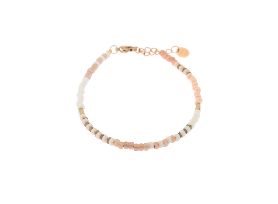 Perfect white bracelet gold