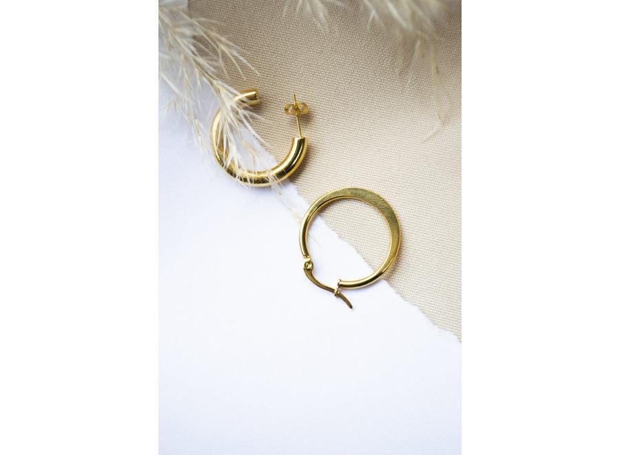 Single Getting bigger hoop gold