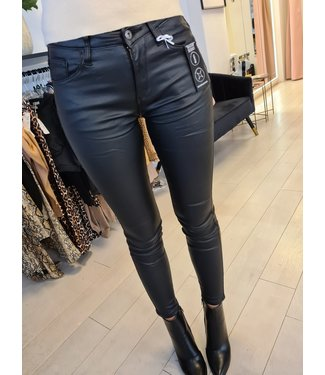 QUEEN HEARTS Skinny Leather Pants  Black