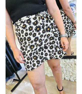 LOFTY MANNER Skirt Loise White-Black