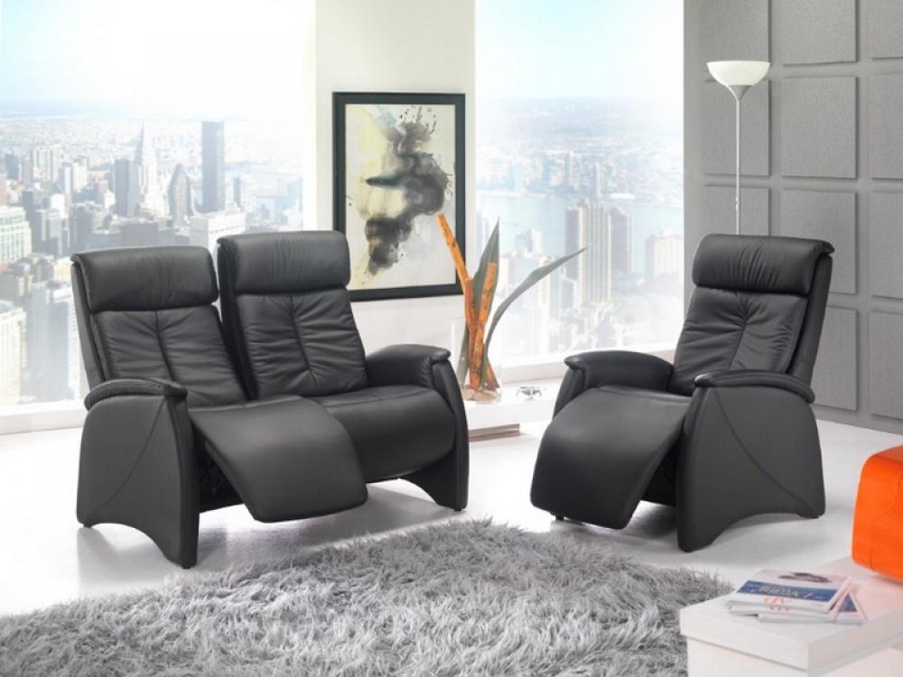 Van lichte tot donkere kleuren, afwerkingen in hout of met aluminium, een relaxzetel zal zeker niet misstaan in je interieur.