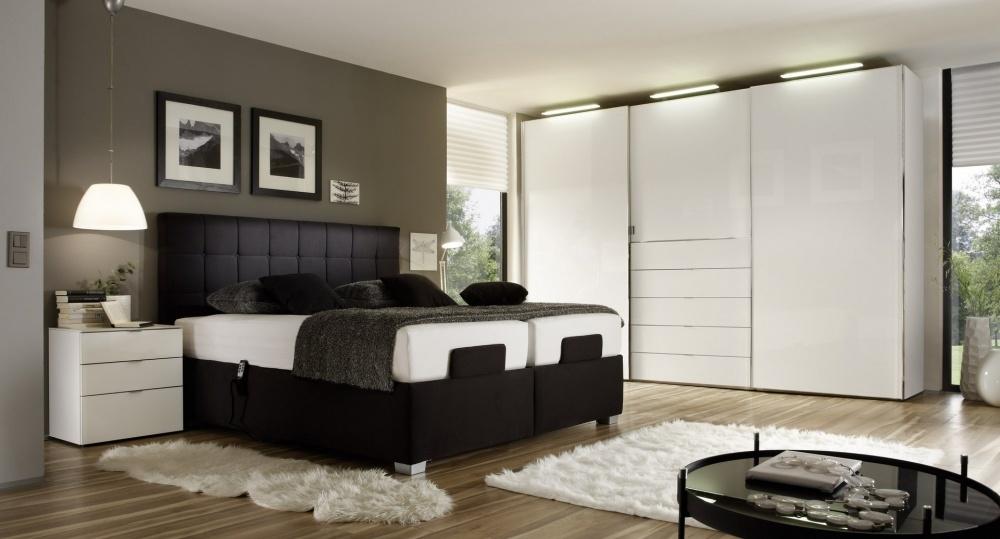 Bij O&O Trendy Wonen vind j een kleerkast die in je slaapkamer past