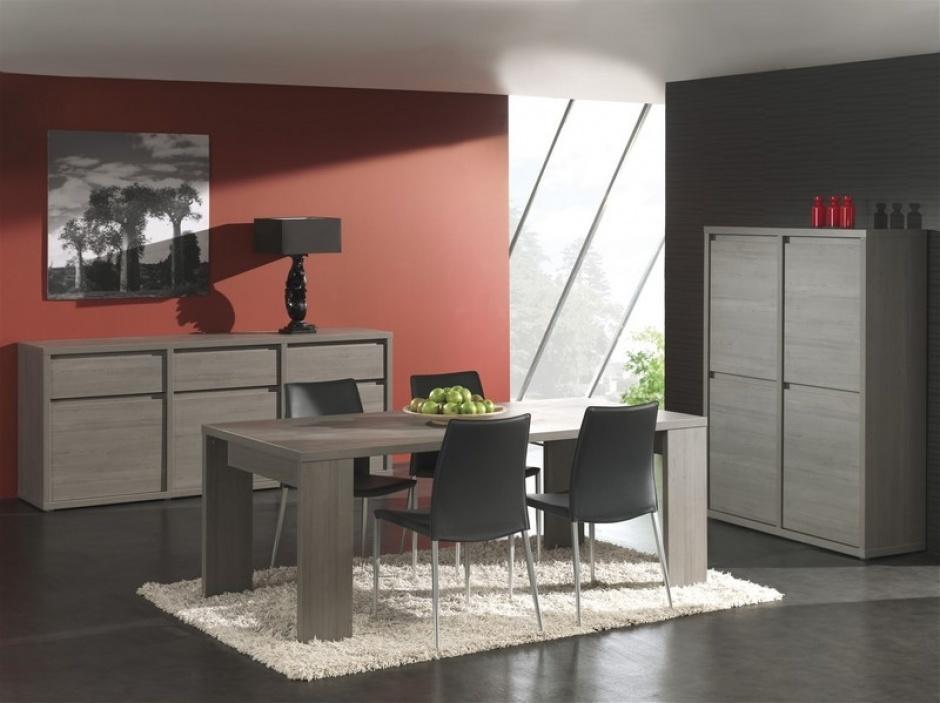 Bij meubelwinkel O&O Trendy Wonen kan je terecht voor een complete eetkamer.