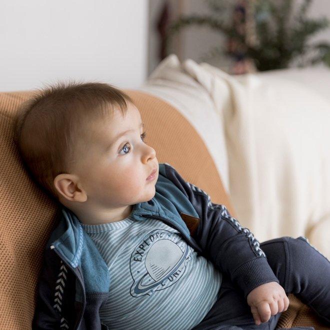 Dirkje jongens shirt lichtblauw streepjes planeet