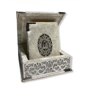 Luxury Koran in White Box