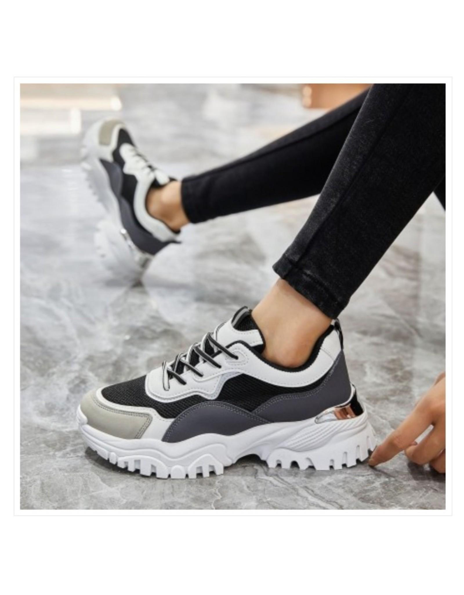 L'Avenue Sneakers Beige Zwart