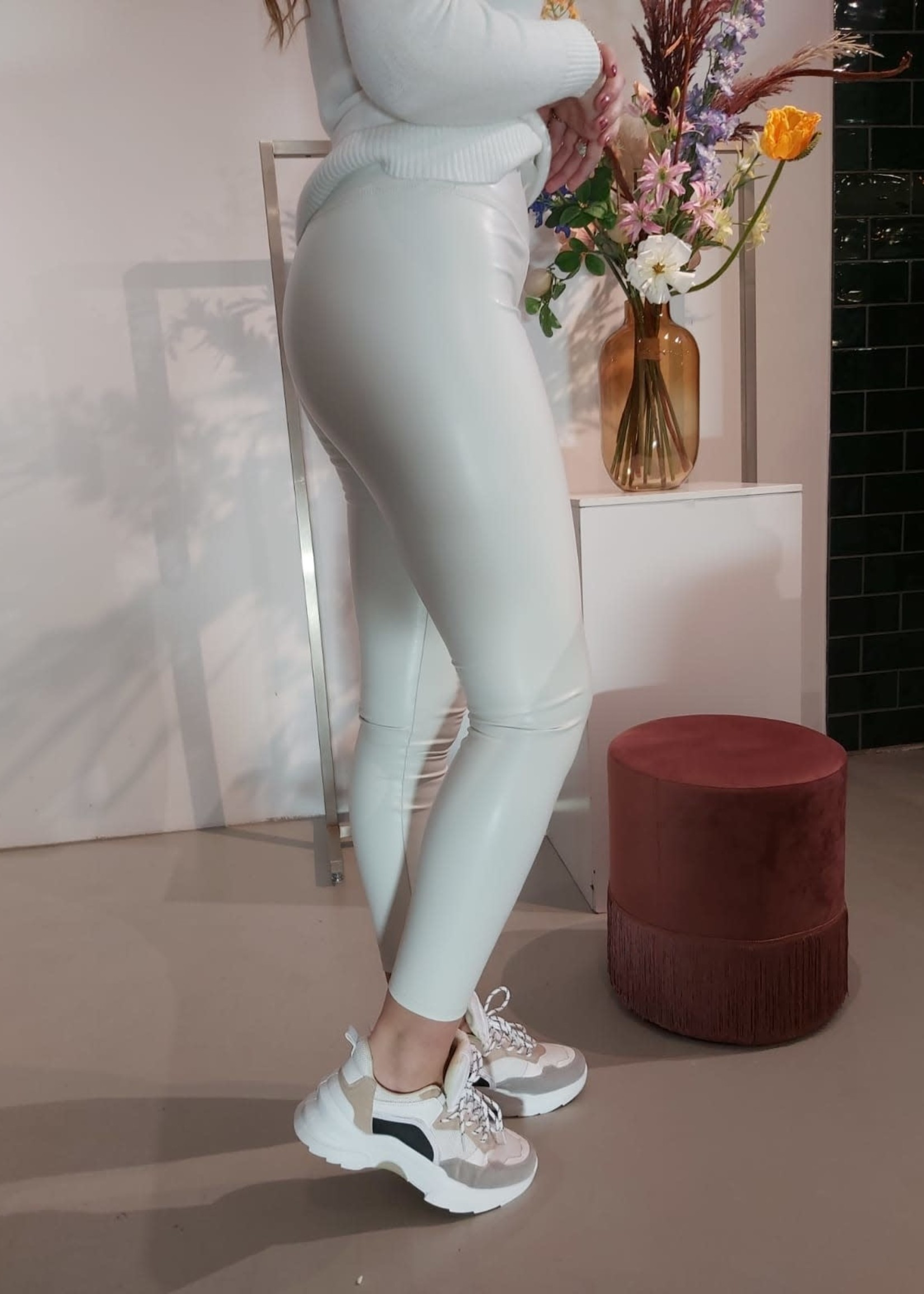Turquoise Off white lederen look legging